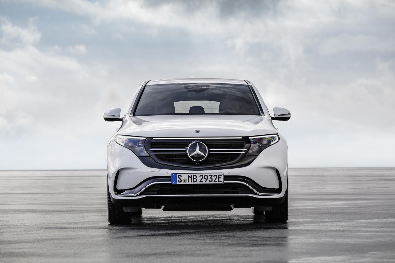 Foto de Mercedes-Benz EQC 2019 (25/74)