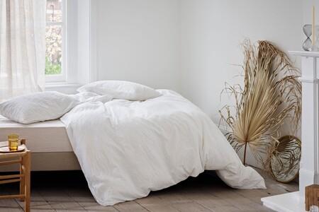 Primark nos propone una colección de decoración minimalista y en tonos neutros para recibir la temporada Primavera-Verano 2021 en casa
