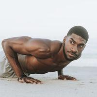Cómo conseguir unos hombros grandes en el gimnasio: la rutina que te ayuda a conseguirlo