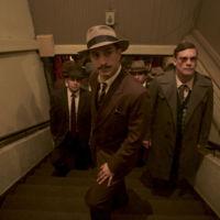 Gael García Bernal persigue a 'Neruda' en el tráiler de lo nuevo de Pablo Larraín