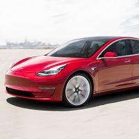 """La función para """"invocar"""" a tu Tesla está siendo investigada por varios accidentes de tránsito"""