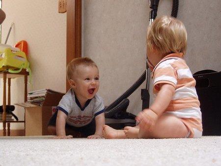 El suelo, el mejor espacio de juegos para el bebé