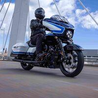 La Harley-Davidson Street Glide Special se viste con un traje Arctic Blast limitado a 500 unidades, por 39.400 euros