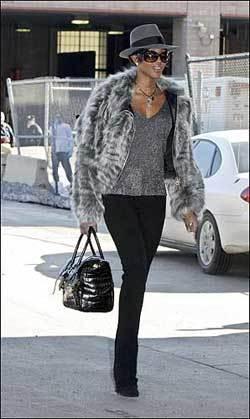 Naomi Campbell diseñará un bolso para Hermés