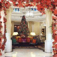 Una instalación artística de Wanda para recibir la Navidad en el hotel Gran Meliá Fénix