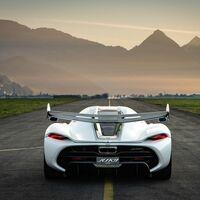 Koenigsegg sigue los pasos de Geely: quieren fabricar combustible sintético a partir de los volcanes de Islandia