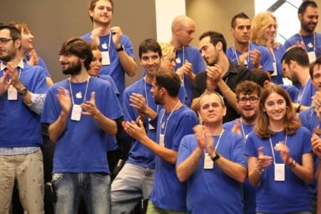 empleados apple store barcelona passeig de gràcia lanzamiento iPhone 5s 5c