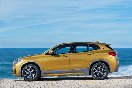 BMW X2 lateral
