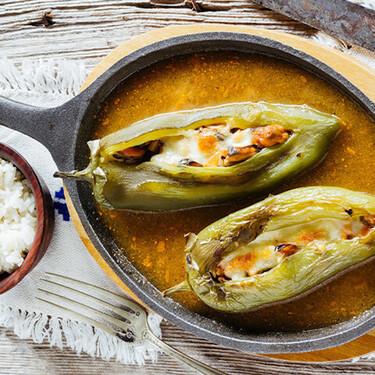 Chiles rellenos de mariscos. Receta fácil de la cocina mexicana