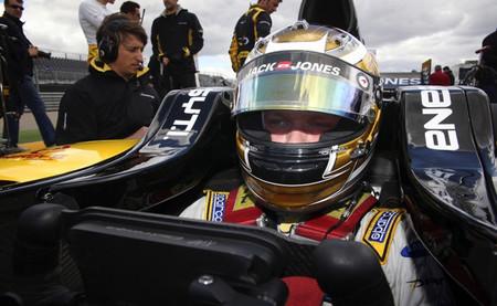 Kevin Magnussen vence una primera carrera de la Fórmula Renault 3.5 en Spa marcada por un fuerte accidente