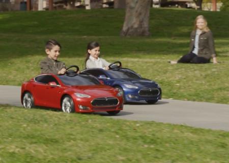 Este Tesla Model S Para Ninos Es Electrico Lujoso Divertido Y Muy