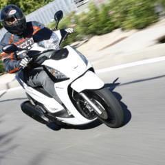 Foto 20 de 32 de la galería kymco-people-125-gti-toma-de-contacto en Motorpasion Moto