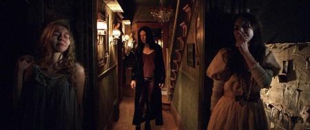 El salvaje tráiler de 'Ghostland' promete el regreso en plena forma del director de 'Martyrs'