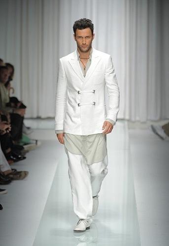 Foto de Versace, Primavera-Verano 2010 en la Semana de la Moda de Milán (10/16)