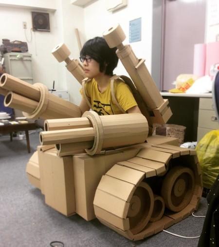 Para esta artista japonesa el arte es crear asombrosas esculturas de cartón usando viejas cajas de Amazon