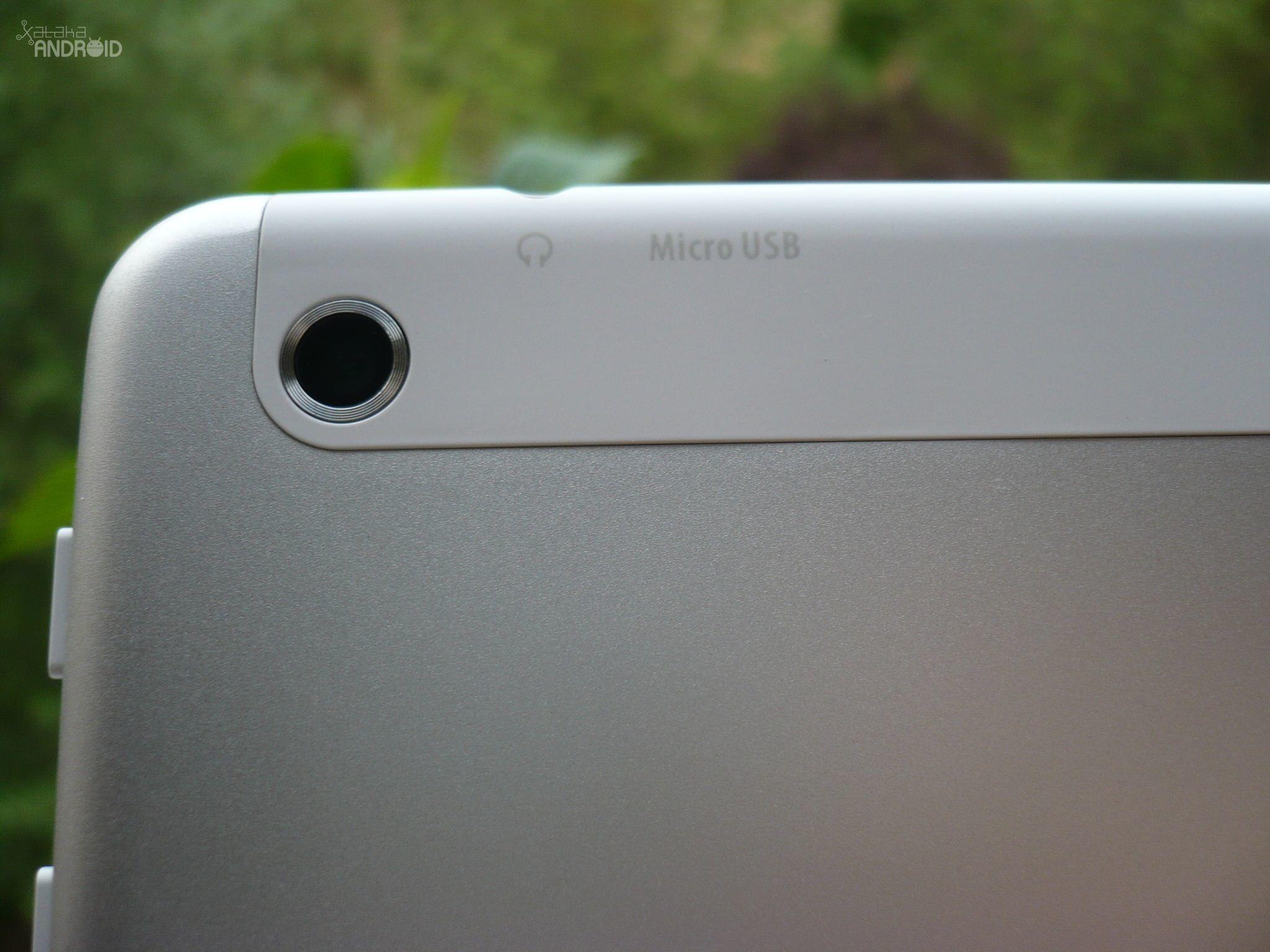 Foto de Acer Iconia A1-830 (7/16)