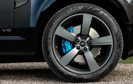 Land Rover Defender V8 Interior 01