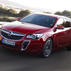 opel-insignia-sports-tourer-opc-2013