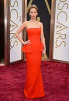 Jennifer Lawrence desfila hacia la conquista de su segundo Oscar