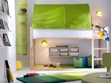 Cómo crear una zona de manualidades y un espacio para juegos en un dormitorio infantil pequeño