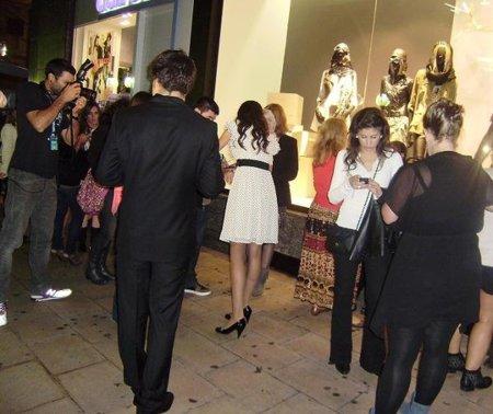 Fiesta y compras nocturnas con H&M y Movistar