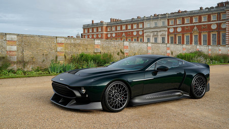 Aston Martin Victor 10