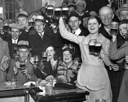 Cerveza Mujeres Historia 2