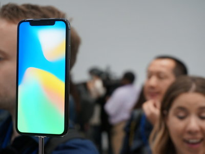El iPhone X mantiene la opción de Fácil alcance, a pesar de no tener botón Home