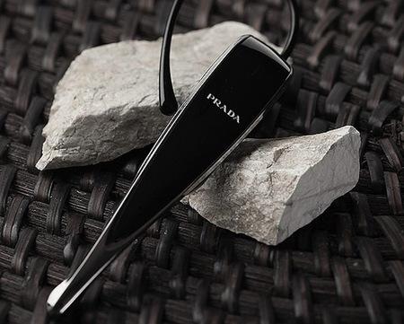 Prada y LG juntos de nuevo para presentar un sofisticado Bluetooth