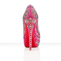 Foto 2 de 10 de la galería christian-louboutin-primavera-verano-2012-el-exceso-en-un-zapato en Trendencias
