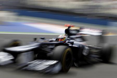 Pastor Maldonado es sancionado y pierde la décima posición