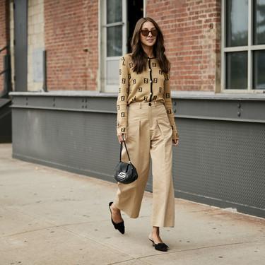 Cómo llevar el pantalón ancho tobillero con mucho estilo durante el entretiempo