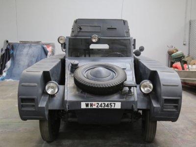 ¡Este Kübelwagen Porsche Type 82/3 es todo lo que necesitas para aparentar que tienes un tanque nazi!