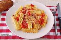 Capricci con tomates cherry y queso San Simón. Receta de pasta