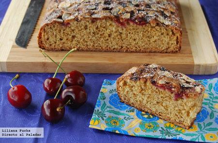 Cake integral de cerezas con almendras. Receta