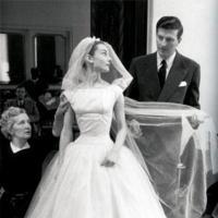 Givenchy llegará al Museo Thyssen en sustitución de la exposición de Valentino