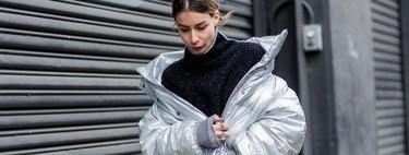 Siete plumas plateados de tendencia que harán de tu look el más futurista