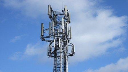 Telefónica adquiere 70 MHz en la subasta de Industria para empezar a dar servicio de LTE en septiembre de 2011