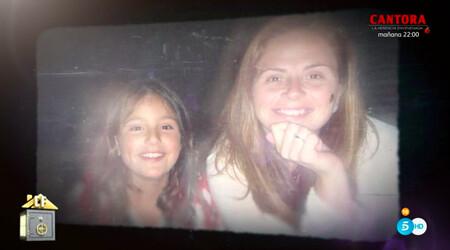 Sandra Pica y su madre en una foto del álbum familiar