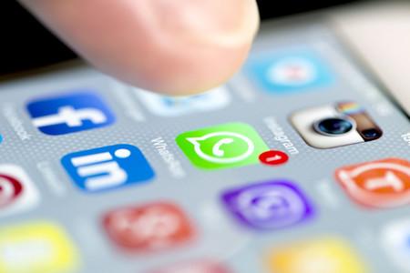 WhatsApp para iPhone tendrá anuncios a partir de 2020, ya sabemos cómo se verán en la app