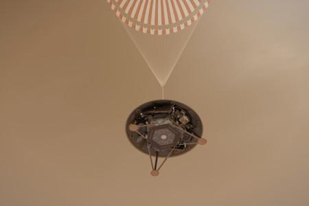 La NASA hace historia al llegar con éxito a Marte para explorar, por primera vez, sus entrañas