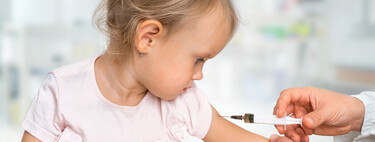 Los pediatras recomiendan vacunar de la gripe a todos los niños mayores de seis meses