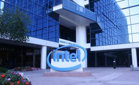 """Intel revisa previsiones, parece que la """"recuperación"""" del PC se ha frenado"""