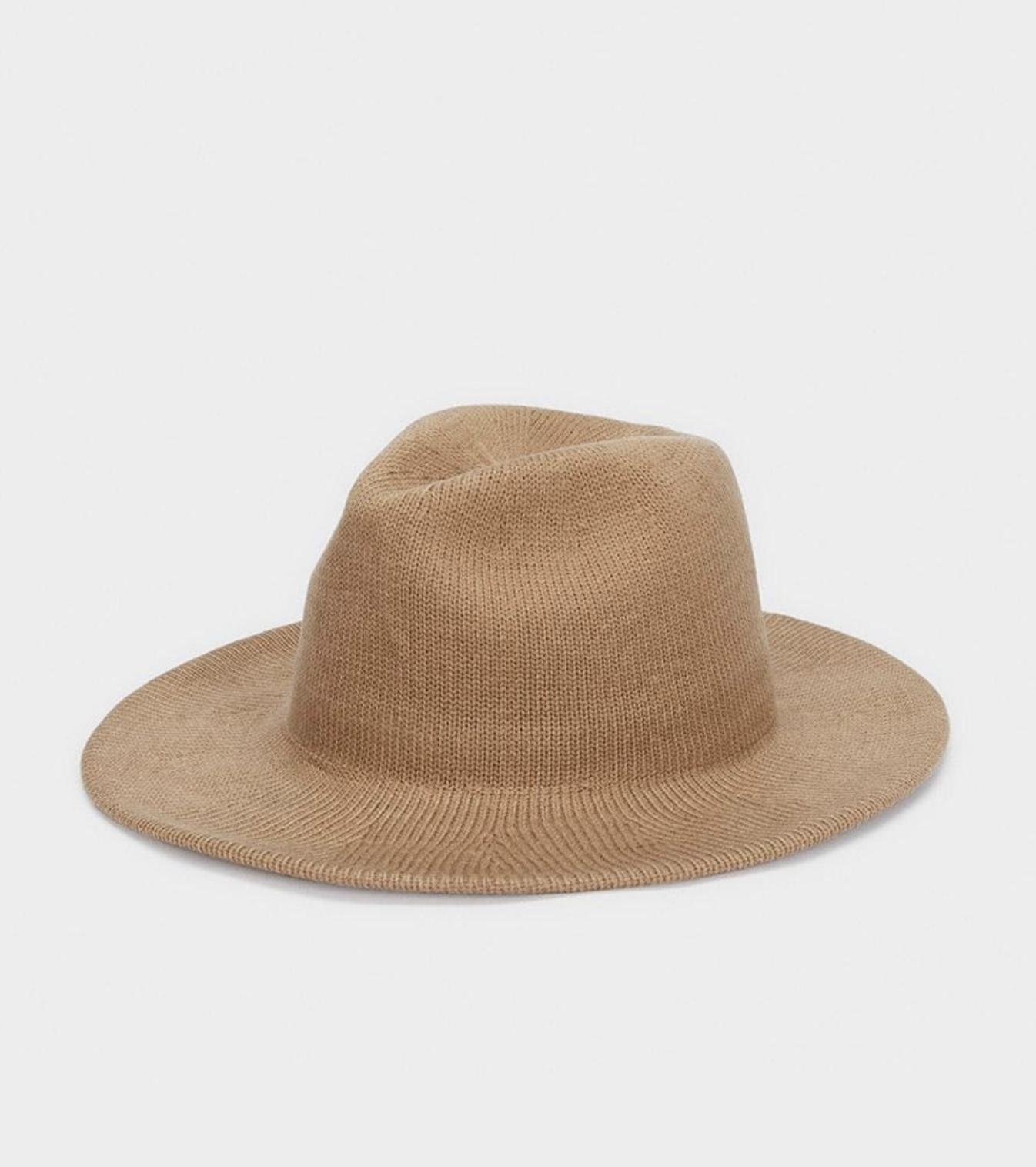 Sombrero de mujer Parfois de fieltro en camel