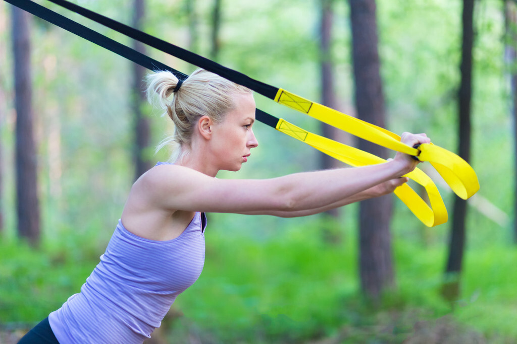 TRX para entrenar en casa y en la calle: ¿cuál es mejor comprar? Consejos y recomendaciones