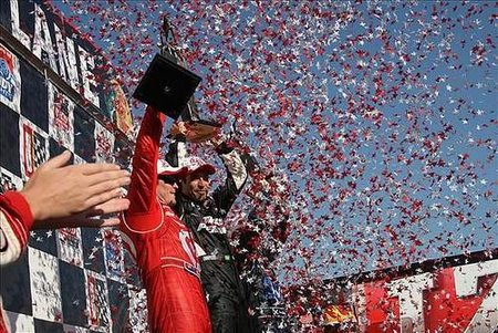 Helio Castroneves venció en Alabama y aprieta a Will Power en la IndyCar Series