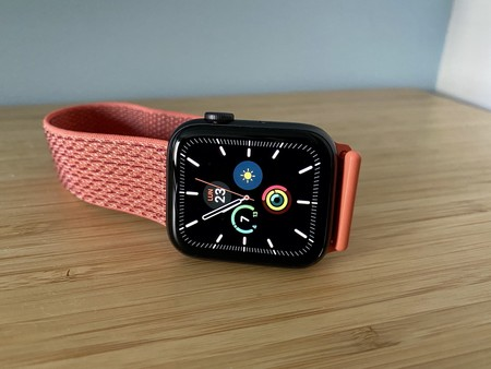Un truco casi desconocido: cómo hacer que Siri te lea la hora en el Apple Watch