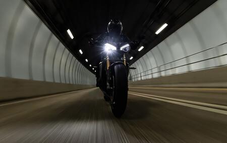 La Triumph Speed Triple 1200 RS llegará con un aumento de cilindrada y potencia, para ponerse al nivel de KTM