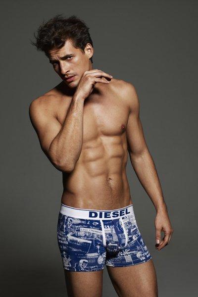 Diesel Primavera-Verano 2012 underwear o como convertirte en una valla publicitaria