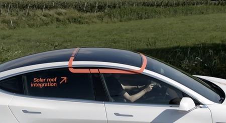 Este Tesla Model 3 ha sido modificado por Lightyear con un panel solar para aumentar su autonomía